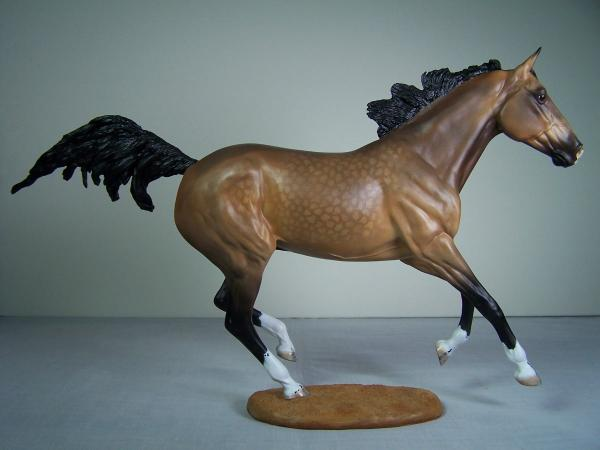Northwind resin model horse white pine equine